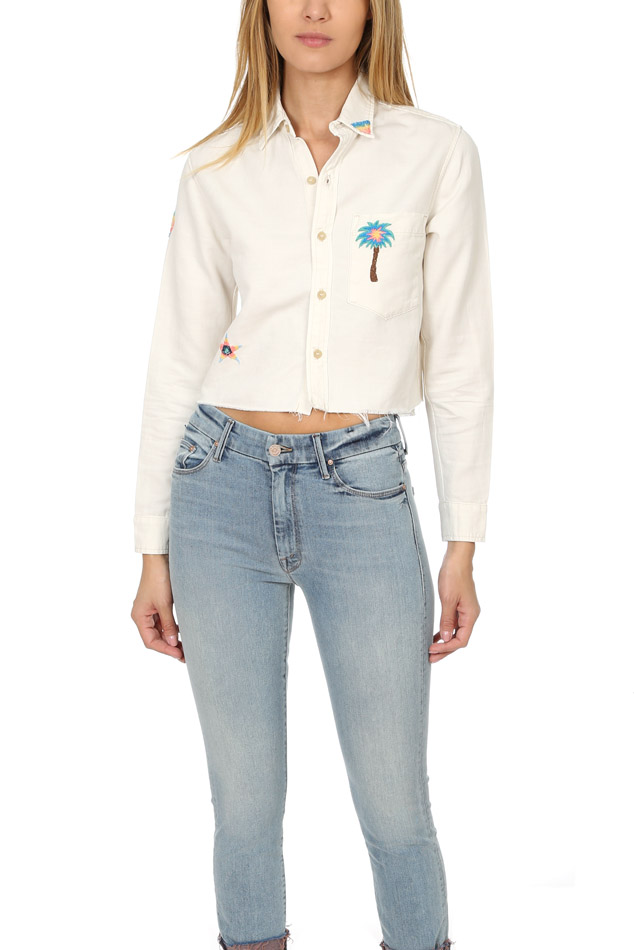 Women's MOTHER Frenchie Crop Fray Shirt in Super Lover, Size XS